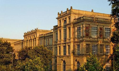 巴黎美术学院好申请么?