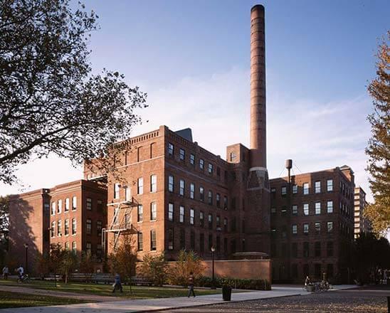Syracuse University- College of Visual & Performing Arts
