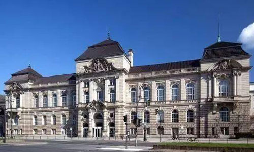 柏林艺术大学美术学院难申请吗