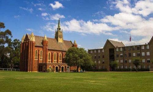 去昆士兰大学留学怎么样?