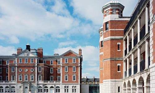 英国伦敦时装学院学费