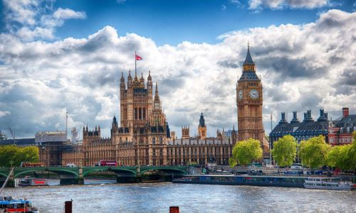 英国服装设计学院排名