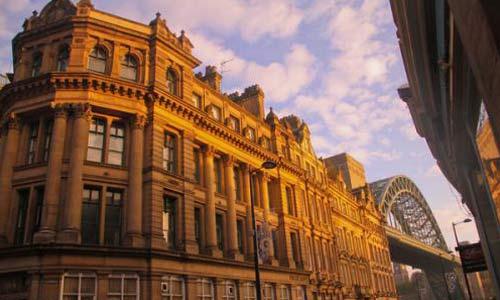 去英国艺术留学的费用贵吗?