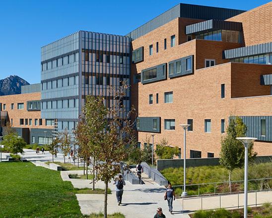 加州州立理工大学