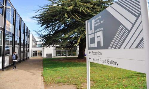 英國創意藝術大學平面設計解析