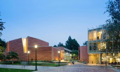 加州大学洛杉矶分校数字媒体专业