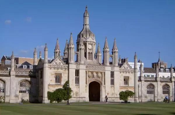 英国伦敦艺术大学留学条件